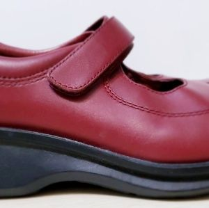 Simple Shoes - Women's 'Simple' Shoes Size 7.5 Cranberry Velcro